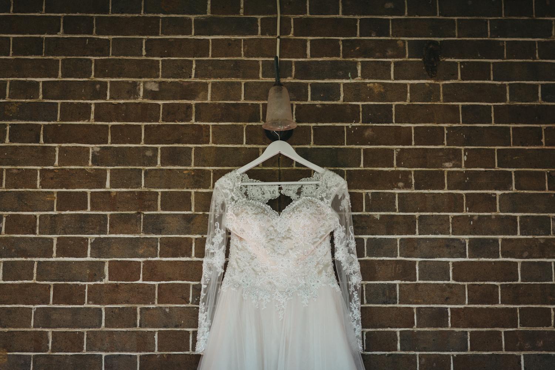 Lyndal-luke-camden-farm-burnham-grove-wedding-35