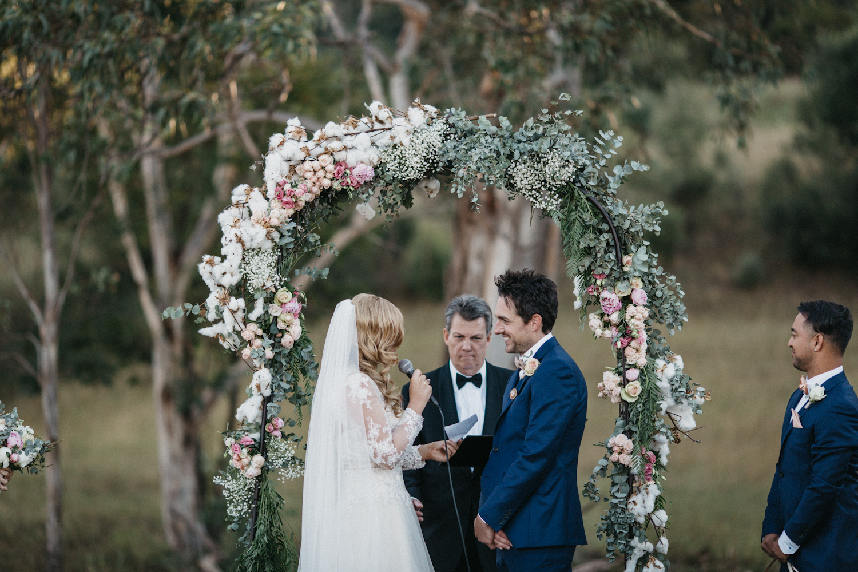 Lyndal-luke-camden-farm-burnham-grove-wedding-95