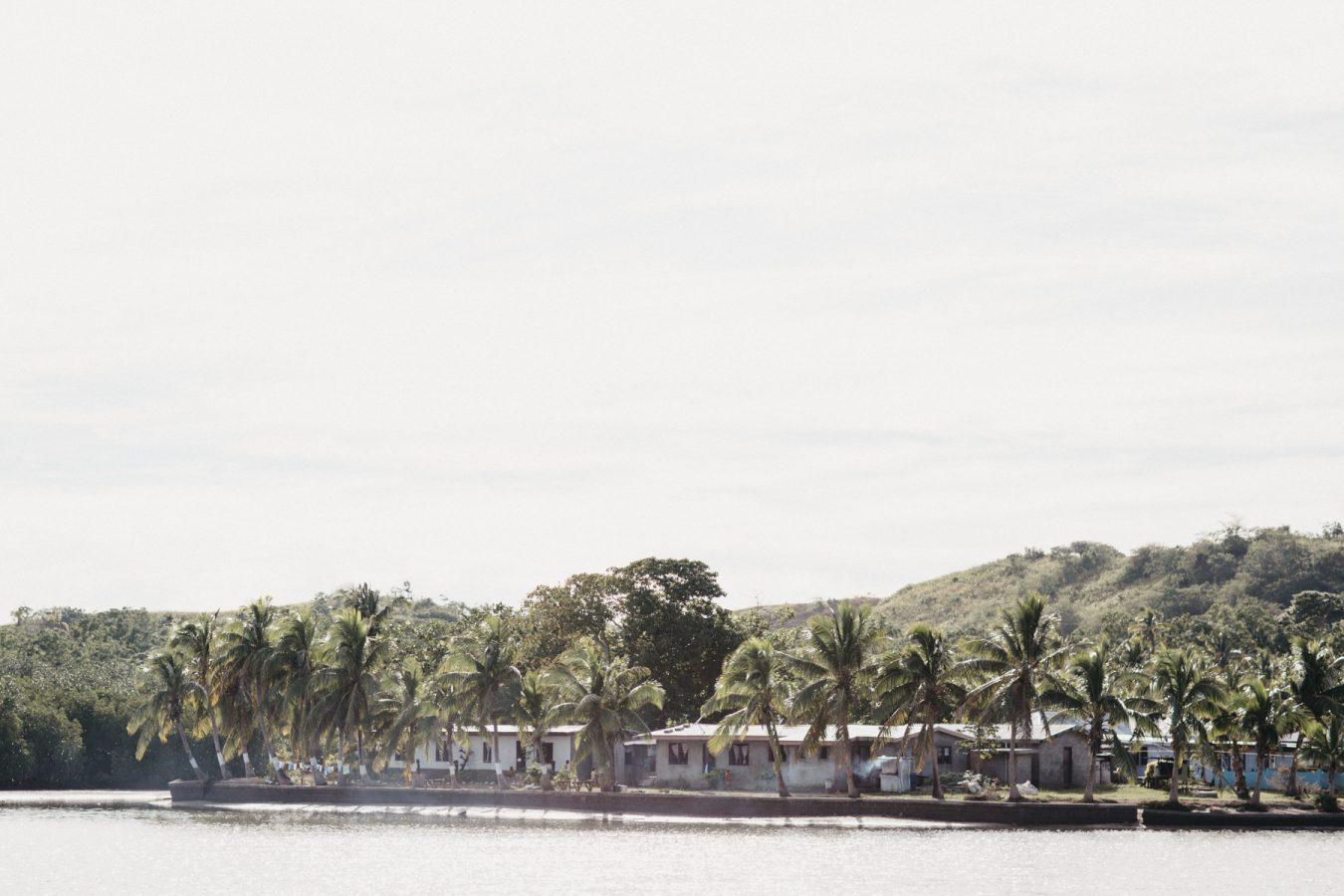 Sam+Bowen-destination-fiji-wedding-coral-coast-shangrila-1