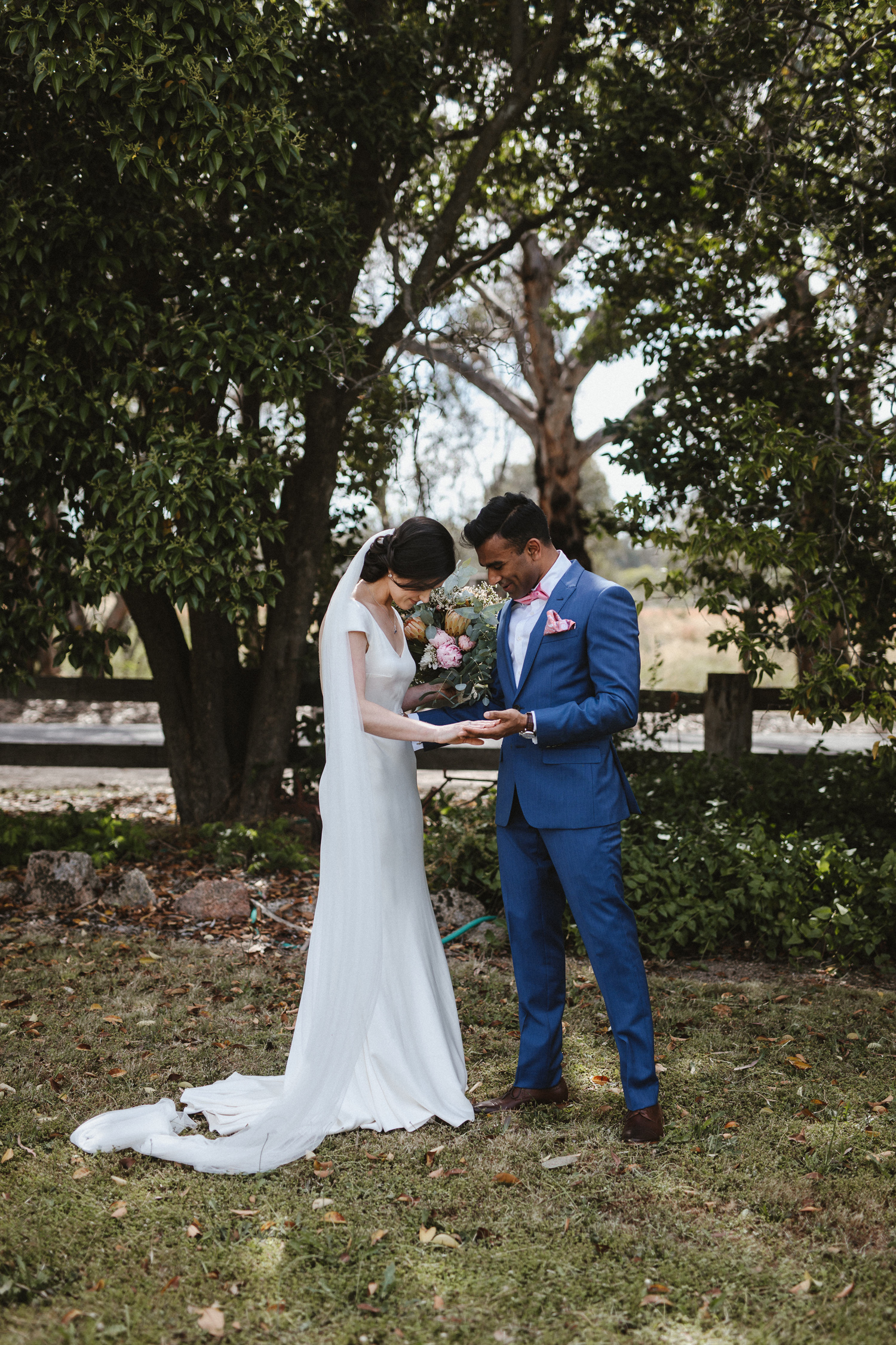050-diy-australian-albury-farm-wedding-lisa-lasanka