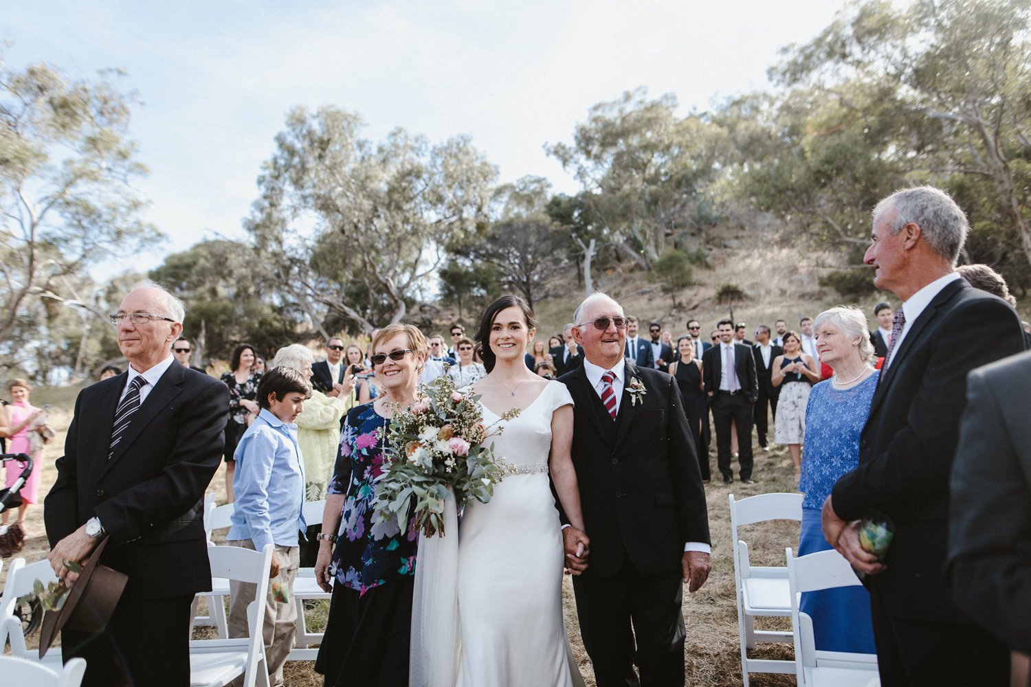 063-diy-australian-albury-farm-wedding-lisa-lasanka