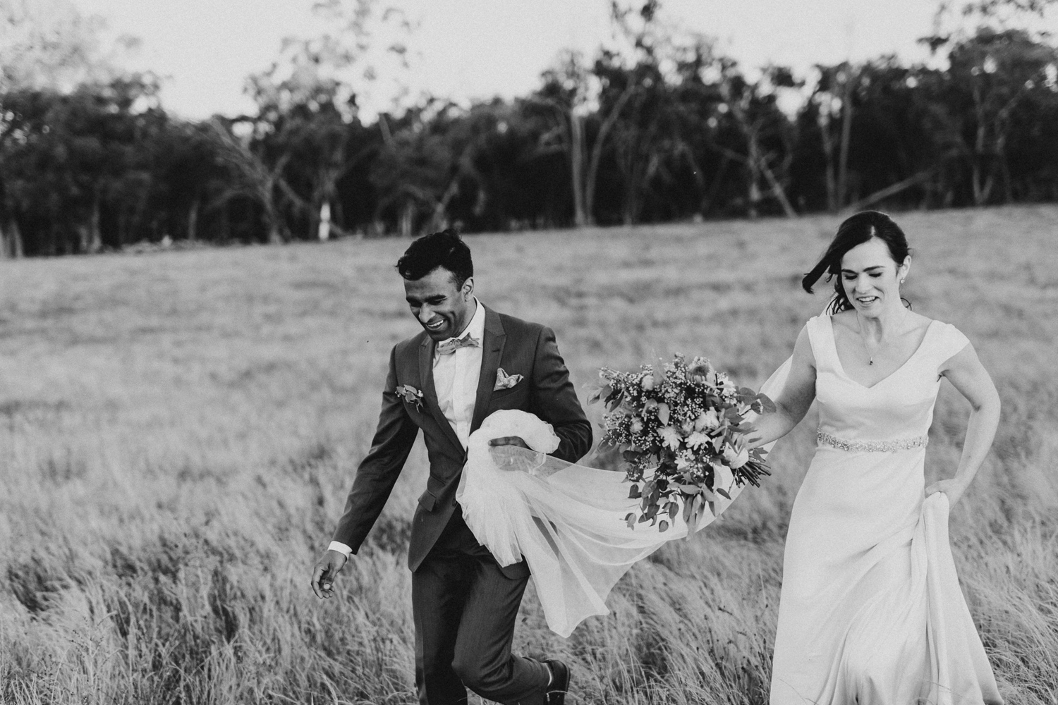 086-diy-australian-albury-farm-wedding-lisa-lasanka