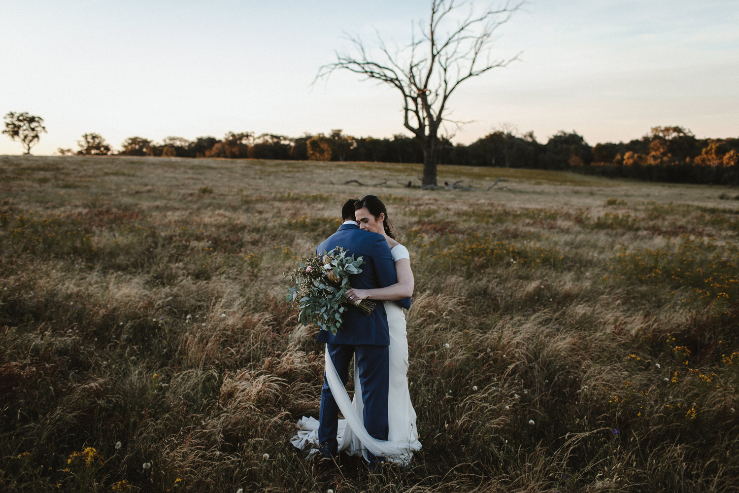095-diy-australian-albury-farm-wedding-lisa-lasanka