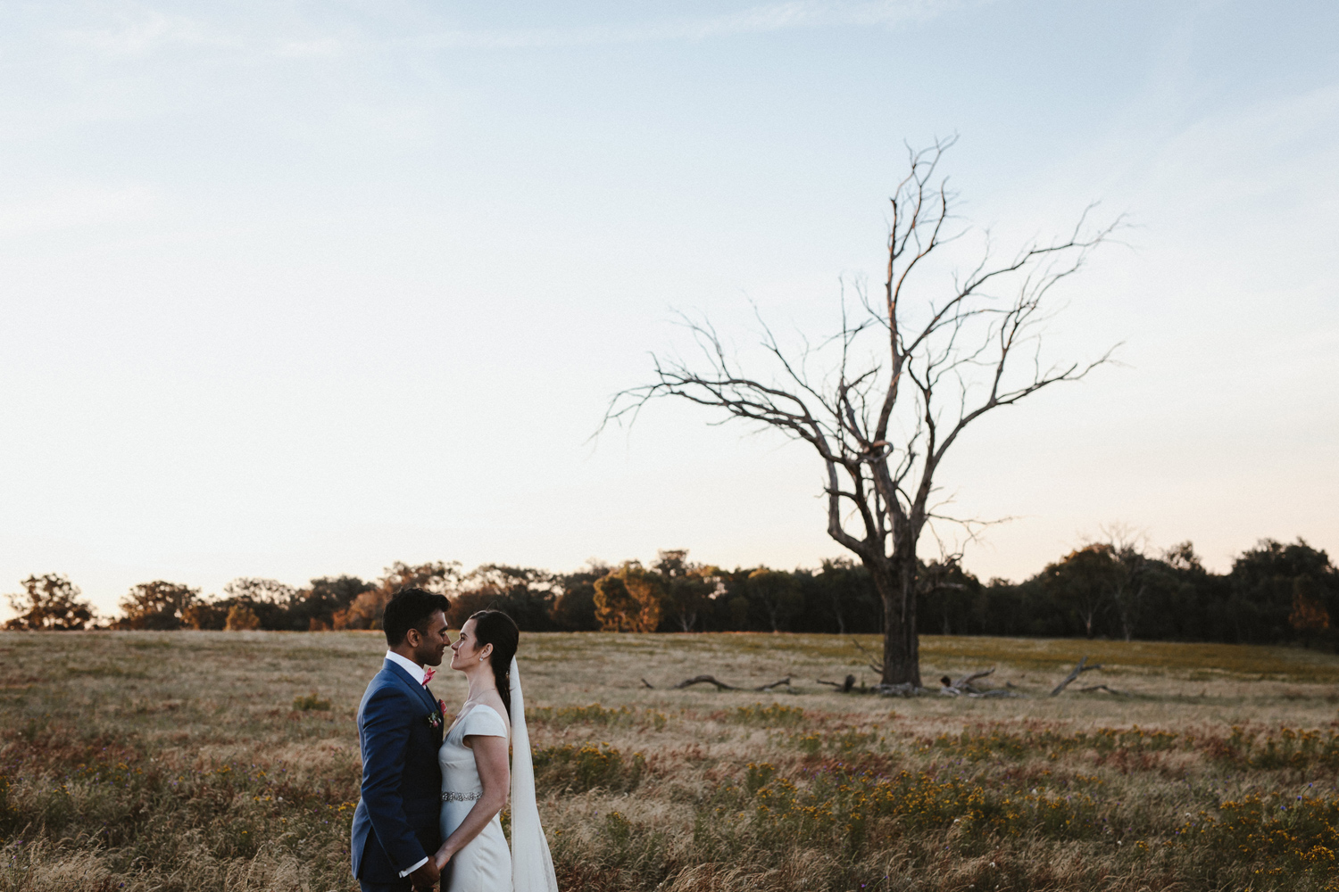 096-diy-australian-albury-farm-wedding-lisa-lasanka